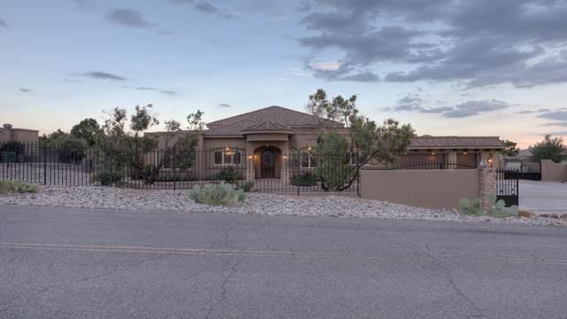 9124 Eagle Rock Avenue NE, Albuquerque, NM 87122 (MLS #996305) :: Sandi Pressley Team