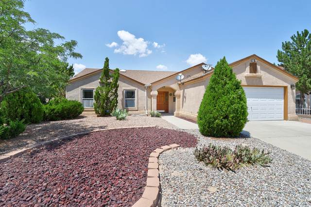 4415 Aspen Glade Drive NW, Albuquerque, NM 87114 (MLS #996744) :: Sandi Pressley Team