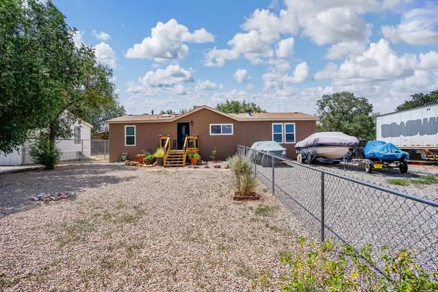 212 Carlos Road NE, Albuquerque, NM 87113 (MLS #996833) :: Berkshire Hathaway HomeServices Santa Fe Real Estate