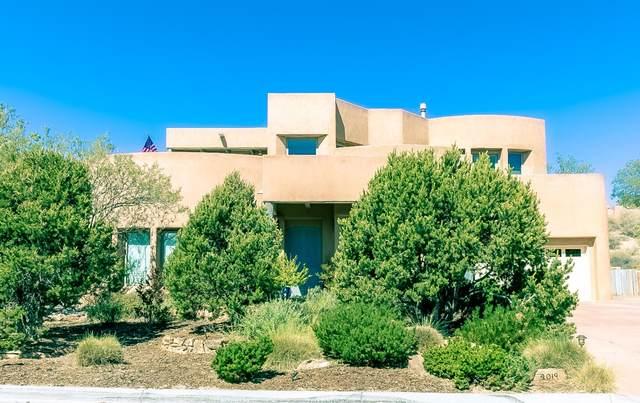 4019 Silvery Minnow Place NW, Albuquerque, NM 87120 (MLS #996859) :: Sandi Pressley Team
