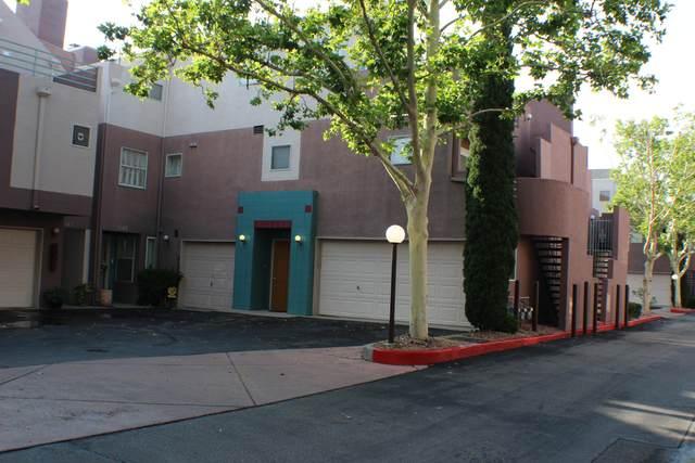5149 Glenwood Pointe Lane NE, Albuquerque, NM 87111 (MLS #996881) :: Berkshire Hathaway HomeServices Santa Fe Real Estate