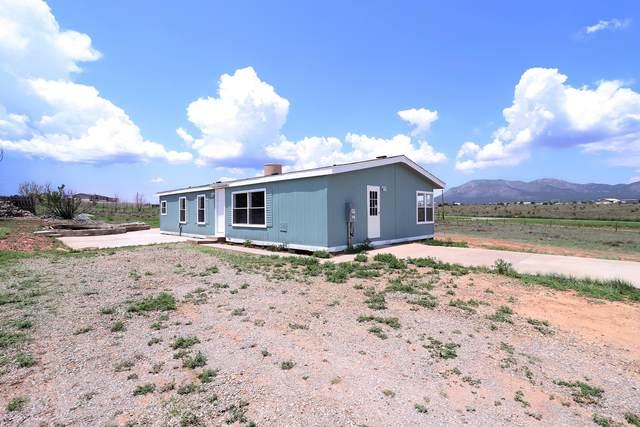3 Windgate Road, Edgewood, NM 87015 (MLS #997064) :: Sandi Pressley Team