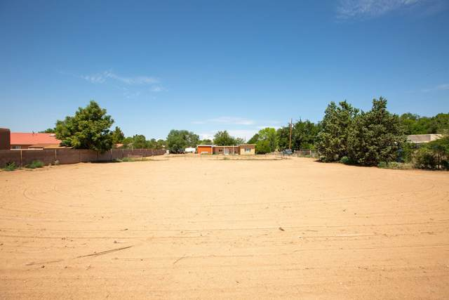 Lot 2 Arcadian Trail NW, Albuquerque, NM 87107 (MLS #997145) :: Berkshire Hathaway HomeServices Santa Fe Real Estate