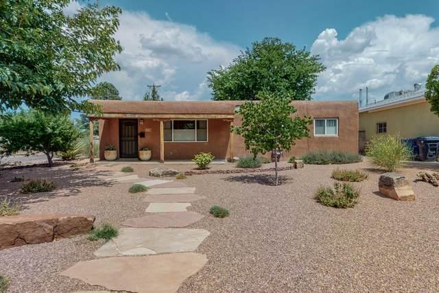 1336 Lafayette Drive NE, Albuquerque, NM 87106 (MLS #997198) :: Keller Williams Realty