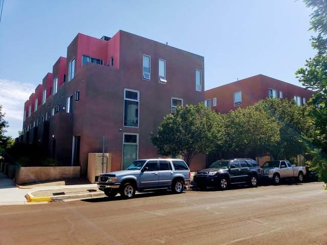 877 Silver Avenue SW, Albuquerque, NM 87106 (MLS #997228) :: Keller Williams Realty
