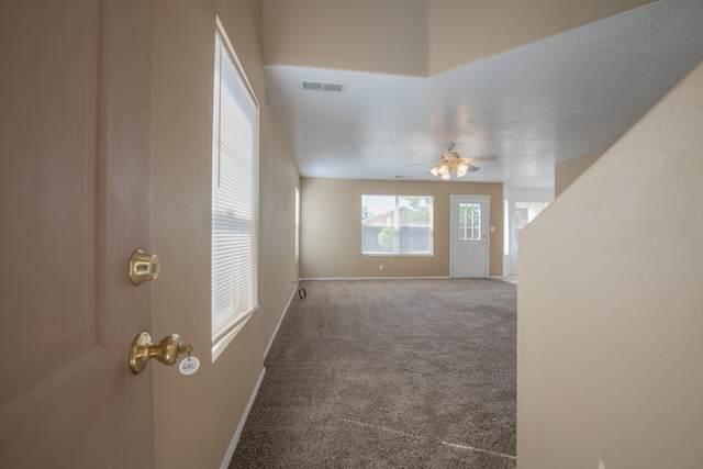 632 Morning Meadows Drive NE, Rio Rancho, NM 87144 (MLS #997252) :: Sandi Pressley Team