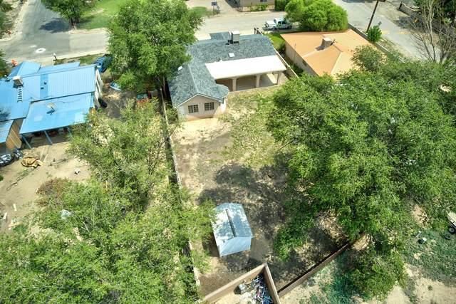 211 Campbell Avenue, Belen, NM 87002 (MLS #997358) :: Sandi Pressley Team