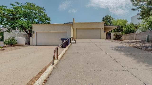 2900 Candelita Court NE, Albuquerque, NM 87112 (MLS #997359) :: Sandi Pressley Team