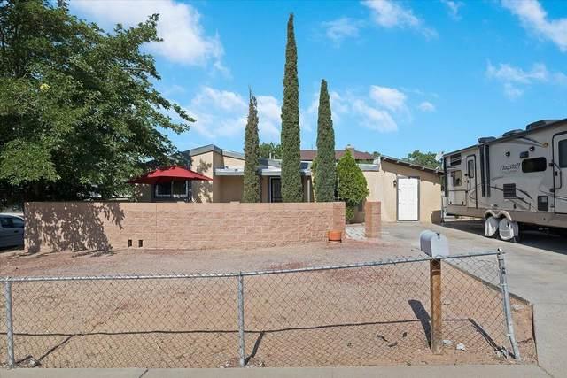 4701 Rhode Island Place NE, Albuquerque, NM 87109 (MLS #997370) :: Sandi Pressley Team