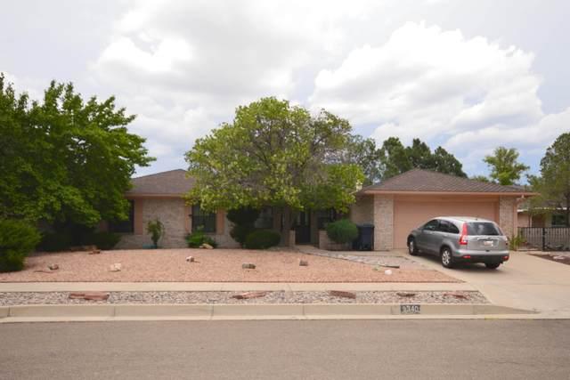 9340 Layton Loop NE, Albuquerque, NM 87111 (MLS #997380) :: Sandi Pressley Team