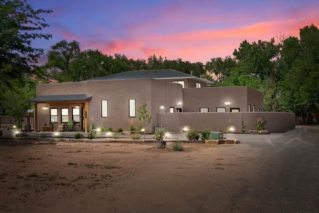 8527 Rio Grande Boulevard NW, Los Ranchos, NM 87114 (MLS #997404) :: Campbell & Campbell Real Estate Services