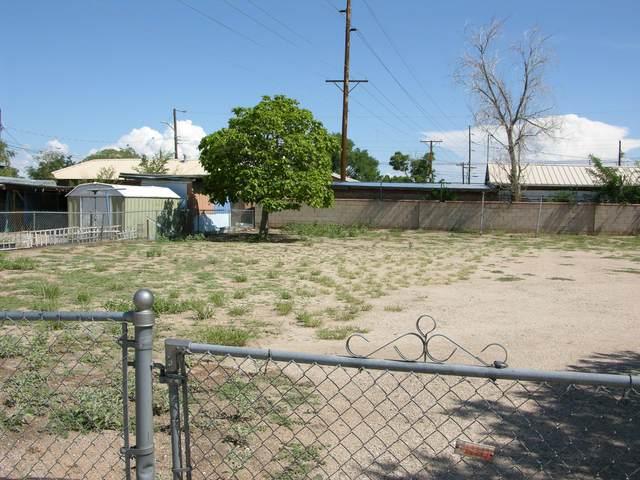 415 Gomez Avenue NE, Albuquerque, NM 87102 (MLS #997531) :: Campbell & Campbell Real Estate Services