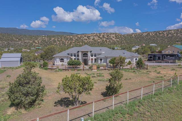 102 Shady Oak Circle, Tijeras, NM 87059 (MLS #997563) :: Campbell & Campbell Real Estate Services