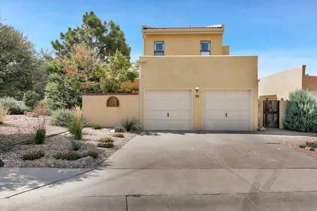 98 Pheasant Hill Drive NE, Albuquerque, NM 87111 (MLS #997578) :: Berkshire Hathaway HomeServices Santa Fe Real Estate