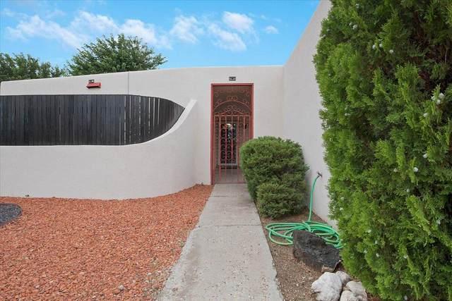 2404 Algodones Street NE, Albuquerque, NM 87112 (MLS #997673) :: Berkshire Hathaway HomeServices Santa Fe Real Estate