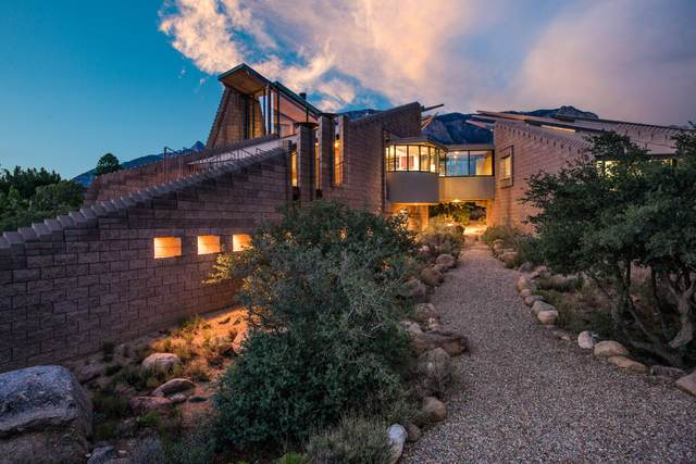 1010 Tramway Lane NE, Albuquerque, NM 87122 (MLS #997707) :: Campbell & Campbell Real Estate Services