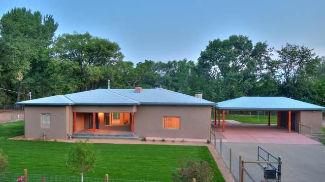 1118 El Pueblo Road NW, Los Ranchos, NM 87114 (MLS #997720) :: Campbell & Campbell Real Estate Services