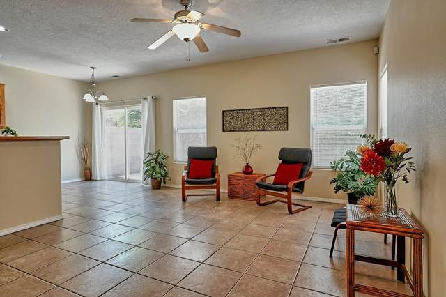 1108-A Dr Martin Luther King Jr NE, Albuquerque, NM 87106 (MLS #997814) :: Campbell & Campbell Real Estate Services