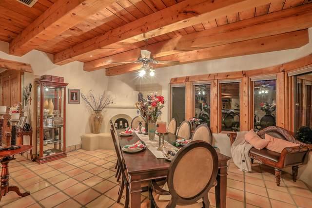 7523 Camino Del Rio NW, Albuquerque, NM 87114 (MLS #998011) :: Campbell & Campbell Real Estate Services