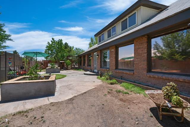 4608 Forman Road SW, Albuquerque, NM 87105 (MLS #998296) :: Campbell & Campbell Real Estate Services