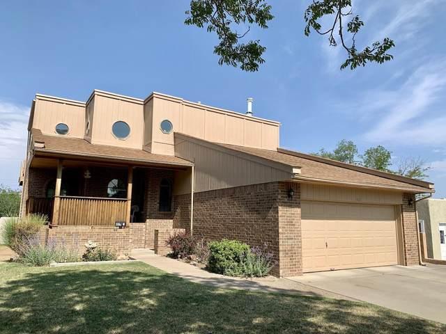 409 Vassar Drive SE, Albuquerque, NM 87106 (MLS #998497) :: The Buchman Group