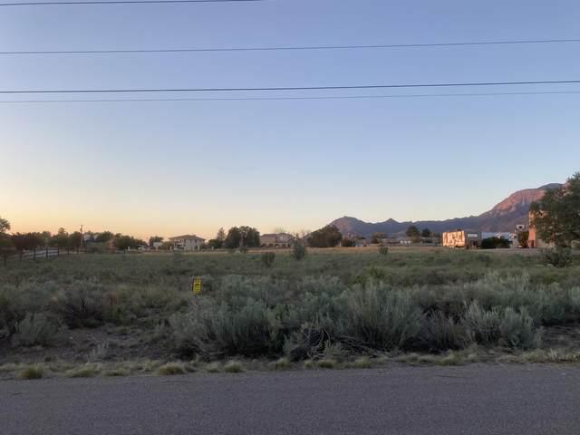 Santa Monica Avenue NE, Albuquerque, NM 87122 (MLS #999613) :: Berkshire Hathaway HomeServices Santa Fe Real Estate