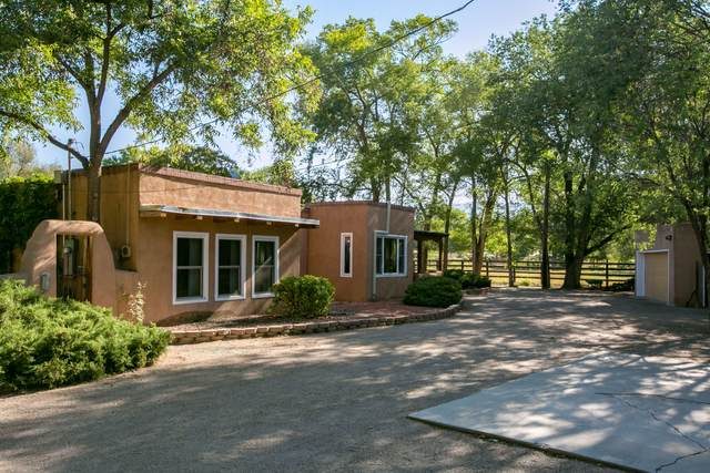6823 Guadalupe Trail NW, Los Ranchos, NM 87107 (MLS #999778) :: Campbell & Campbell Real Estate Services