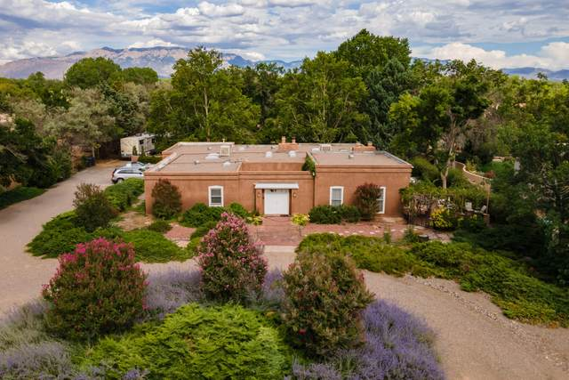8318 Calle Picaflor NW, Albuquerque, NM 87120 (MLS #999888) :: Campbell & Campbell Real Estate Services