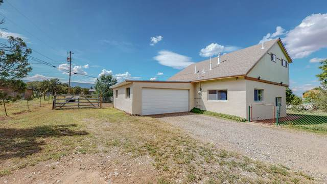 33 Kelly Lynn Drive, Sandia Park, NM 87047 (MLS #999890) :: Campbell & Campbell Real Estate Services