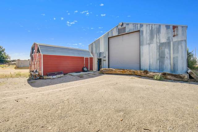 8700 Bates Road SE, Albuquerque, NM 87105 (MLS #1001016) :: Sandi Pressley Team