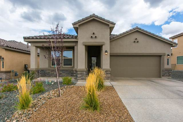 1932 Silver Dollar Street SE, Albuquerque, NM 87123 (MLS #1001161) :: Campbell & Campbell Real Estate Services