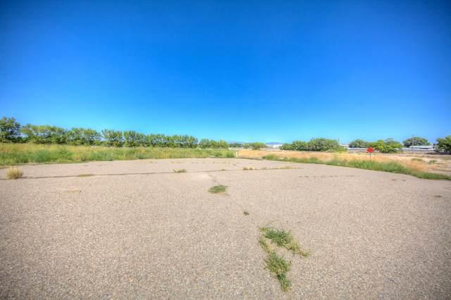 803 Jersey Court SW, Albuquerque, NM 87105 (MLS #1001351) :: Keller Williams Realty