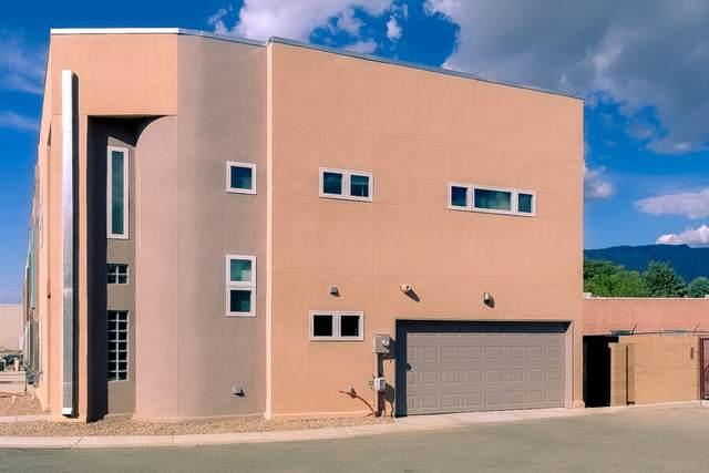 4200 Vida Verde Lane NE, Albuquerque, NM 87110 (MLS #1001786) :: Keller Williams Realty