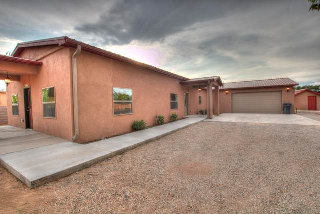 2061 Tapia Boulevard SW, Albuquerque, NM 87105 (MLS #1001826) :: Campbell & Campbell Real Estate Services
