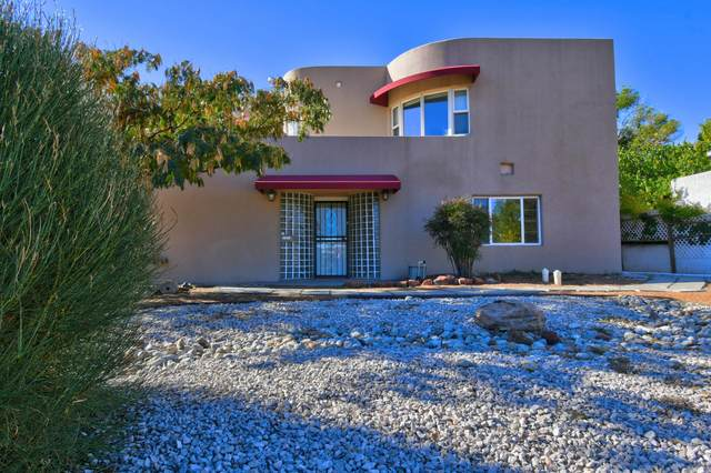 1207 Ridgecrest Drive SE, Albuquerque, NM 87108 (MLS #1002970) :: Keller Williams Realty