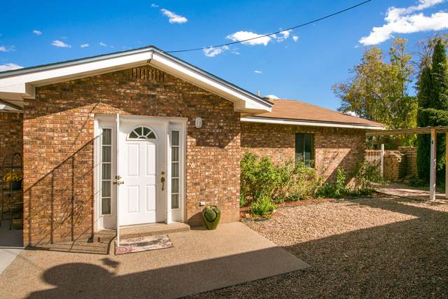 302 Wayne Road NW #1, Albuquerque, NM 87114 (MLS #1002989) :: Campbell & Campbell Real Estate Services