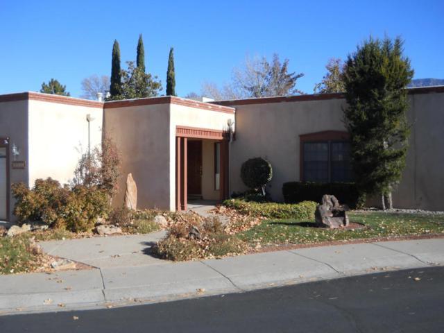 9711 Colonial Circle NE, Albuquerque, NM 87111 (MLS #906592) :: Rickert Property Group
