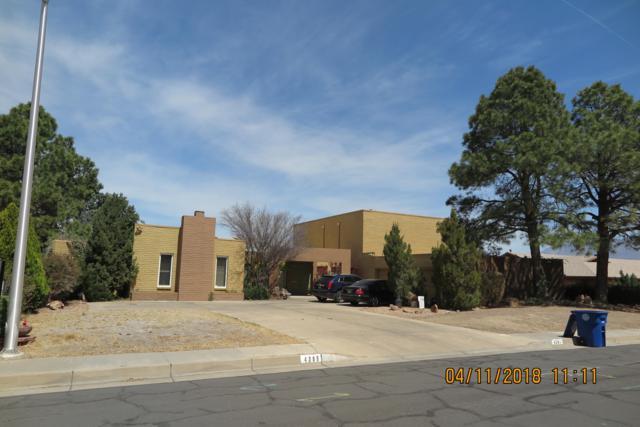 4305 Chinlee Avenue NE, Albuquerque, NM 87110 (MLS #916824) :: The Stratmoen & Mesch Team