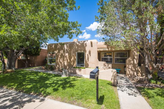 9119 Wimbledon Drive NE, Albuquerque, NM 87111 (MLS #927173) :: The Bigelow Team / Realty One of New Mexico