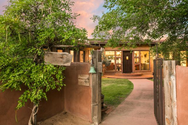 2472 Tapia Boulevard, Albuquerque, NM 87105 (MLS #928352) :: Campbell & Campbell Real Estate Services