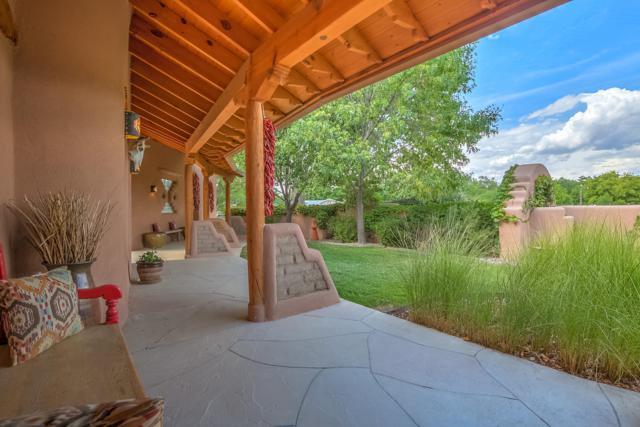 8415 Rio Grande Boulevard NW, Los Ranchos, NM 87114 (MLS #928640) :: Your Casa Team