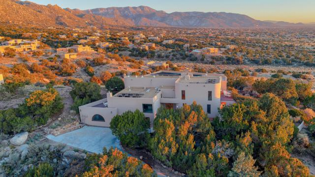203 Spring Creek Drive NE, Albuquerque, NM 87122 (MLS #932111) :: The Bigelow Team / Realty One of New Mexico