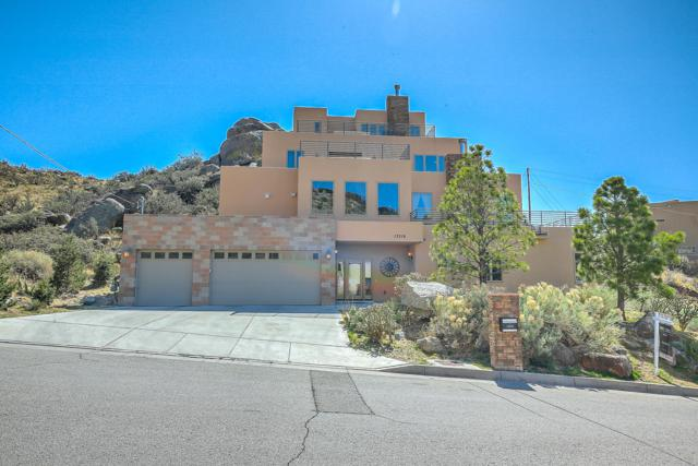13316 Hidden Valley Road NE, Albuquerque, NM 87111 (MLS #932281) :: The Bigelow Team / Realty One of New Mexico
