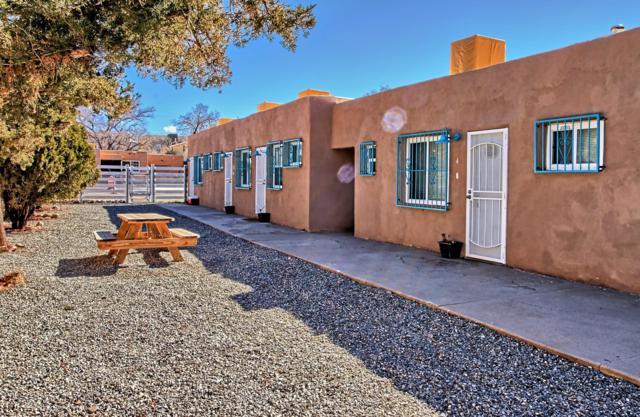 525 Mesilla Street SE, Albuquerque, NM 87108 (MLS #933586) :: Silesha & Company