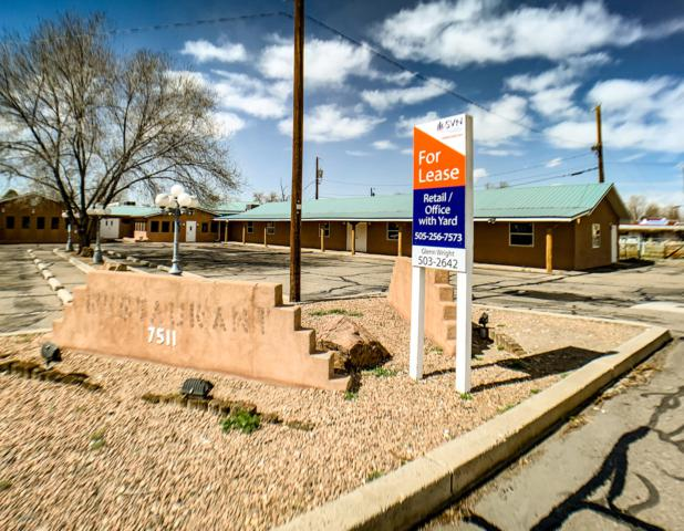 7511 4th Street NW, Los Ranchos, NM 87107 (MLS #934034) :: The Bigelow Team / Realty One of New Mexico