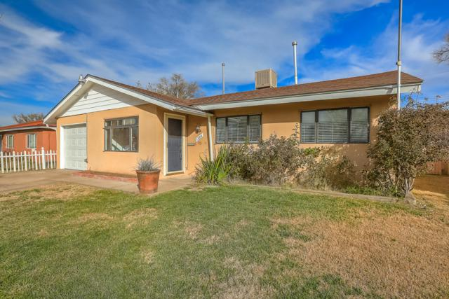 1504 Espejo Street NE, Albuquerque, NM 87112 (MLS #934261) :: The Stratmoen & Mesch Team