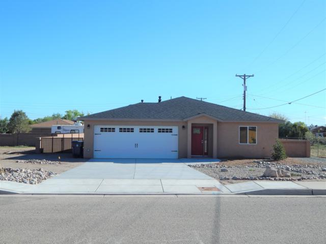 425 Orchard Place, Los Lunas, NM 87031 (MLS #935891) :: Silesha & Company