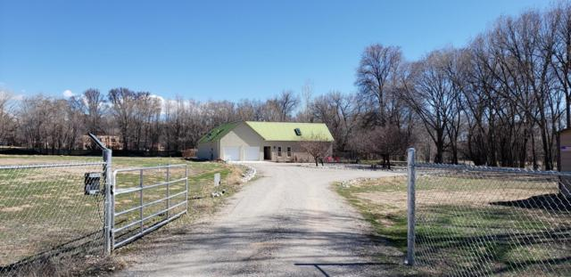 14 Hollyhock Lane, Santa Fe, NM 87506 (MLS #937096) :: Silesha & Company