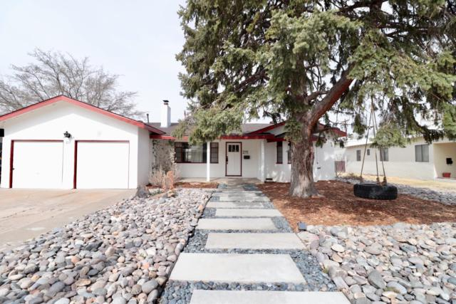 211 Montclaire Drive NE, Albuquerque, NM 87108 (MLS #939266) :: The Bigelow Team / Realty One of New Mexico