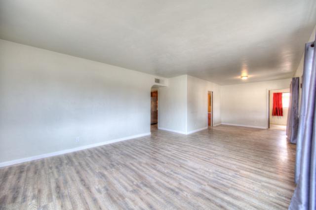 9018 Matthew Avenue NE, Albuquerque, NM 87112 (MLS #939531) :: Campbell & Campbell Real Estate Services